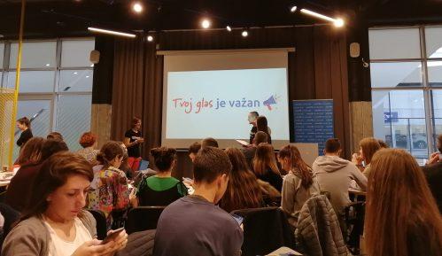 Predstavljena U-Report platforma: Mladi dobili priliku da utiču na institucije 10