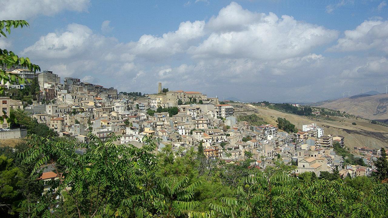 Sicilijanski grad Kamarata nudi napuštene kuće besplatno 1