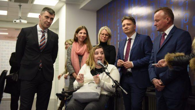 Đorđević obišao polaznike programa prekfalifikacije osoba sa invaliditetom za IT 4