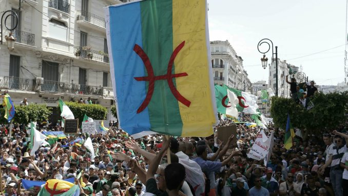 U Alžiru protesti protiv predsedničkih izbora zakazanih za 12. decembar 4