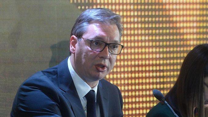 Vučić: Saglasan sam sa fotografijom NIN-a, to je politika magazina Tabloid i Milovana Brkića 1