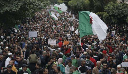 U Alžiru uhapšeno 30 demonstranata koji se protive izborima 13