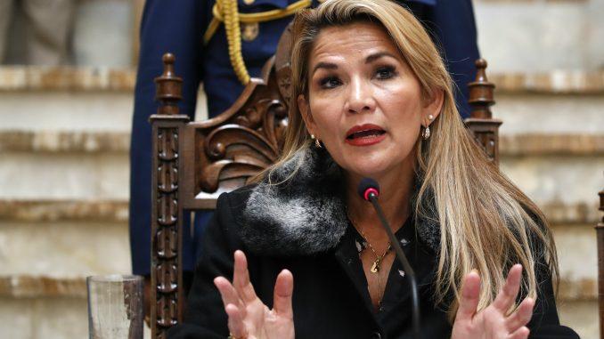 Privremena predsednica Bolivije pozvala Gvaida da oslobodi Venecuelu 4