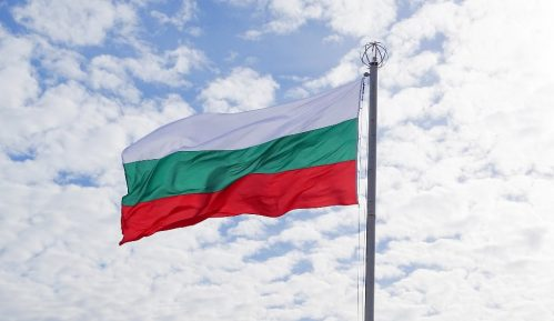 Sofija uputila demarš Skoplju zbog paljenja bugarske zastave na karnevalu u Vevčanima 3