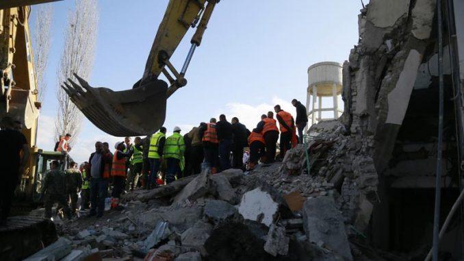 U zemljotresu u Albaniji najmanje 22 mrtvih, tim iz Srbije poslat u pomoć 4