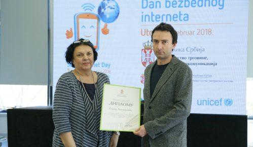 """Treća nagrada za nastavnika OŠ """"8. septembar"""" iz Pirota Gorana Antonijevića 11"""
