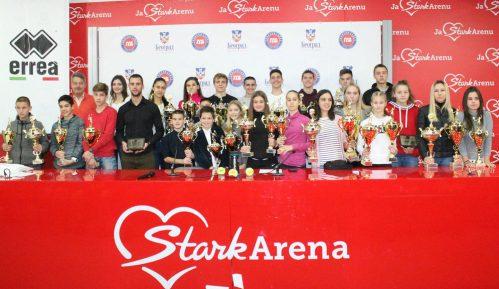Đere uručio pehare najboljim takmičarima Teniskog saveza Beograda 5
