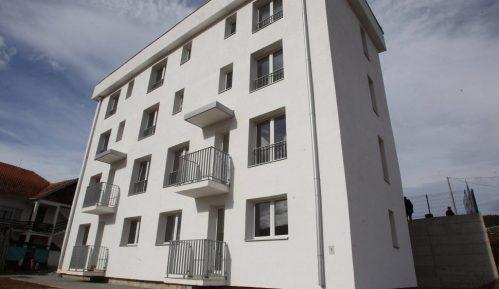 Deset izbegličkih porodica u Brusu dobilo stanove 1