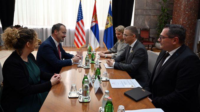 Stefanović i ambasador SAD o saradnji MUP-a i američkih agencija za sprovođenje zakona 2