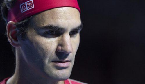 Federer operisao koleno i propušta Rolan Garos 70
