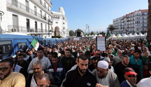Alžirci ponovo na protestu protiv održavanja predsedničkih izbora 15