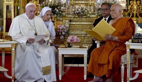 Papa Franja u Tajlandu govorio o zaštiti prava dece 15