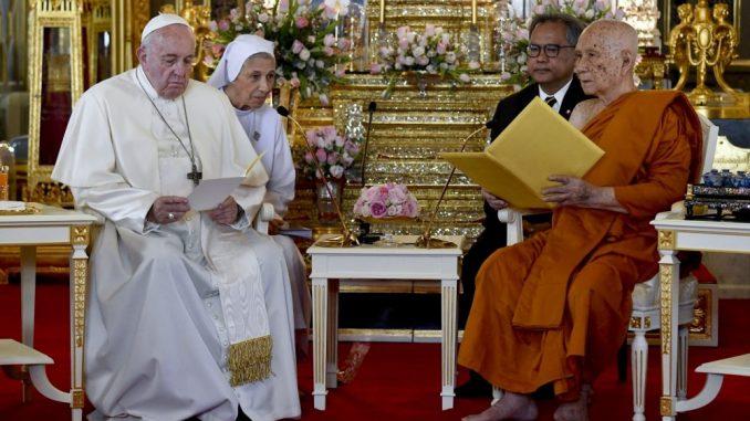 Papa Franja u Tajlandu govorio o zaštiti prava dece 4