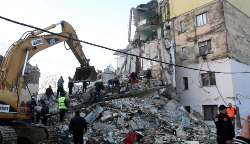 Broj žrtava u Albaniji popeo se na 40, dok je 658 osoba povređeno 4