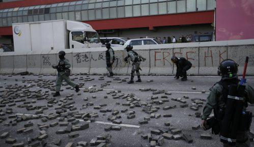 Policija pucala i ranila demonstranta u Hongkongu tokom blokade puteva 14