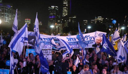 Hiljade ljudi demonstriralo u Tel Avivu u znak podrške Netanjahuu 12
