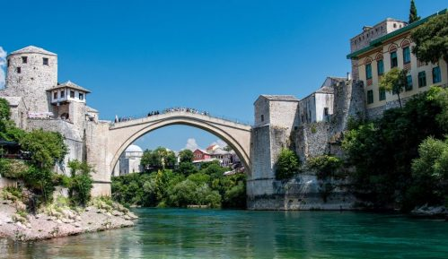 Mostar: Policija silom odvukla demonstrante s deponije 9
