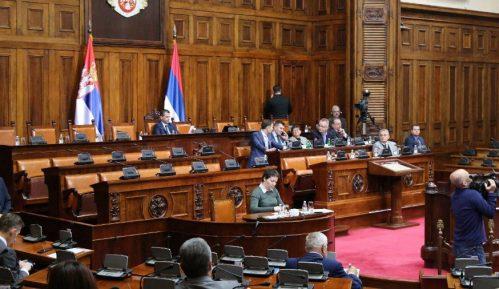 Poslanici tokom rasprave o završnim računima budžeta prethodnoj vlasti 3