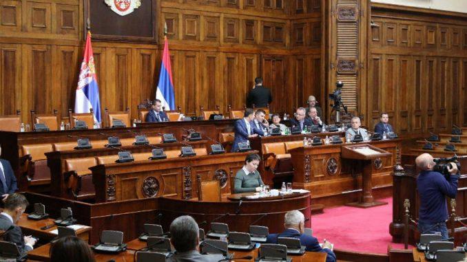 U Skupštini Srbije polemika o TV pretplati za javni medijski servis 3