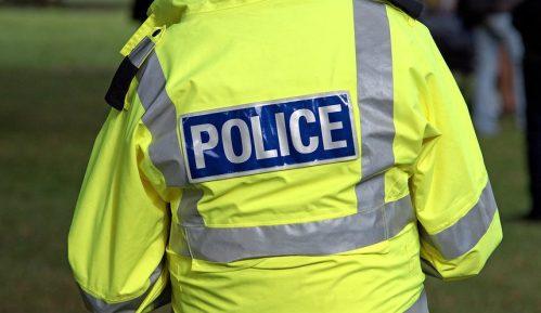 Automobil udario u policijsku stanicu u Londonu 5