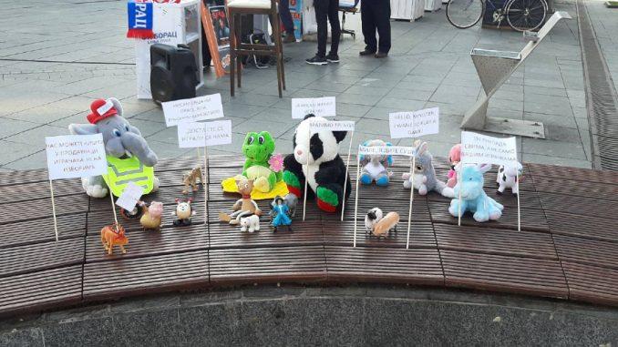 Kako su igračke završile u pritvoru zbog protesta u Banjaluci? 3
