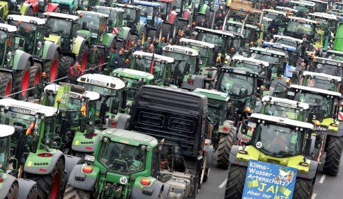 Protest nemačkih poljoprivrednika protiv ekološke politike 13
