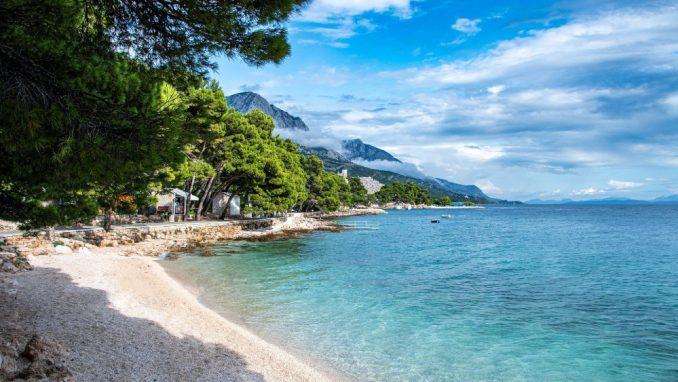 U Hrvatskoj oko 5.000 turista iz Srbije 1