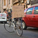 Za bicikliste i dalje neupotrebljiva biciklistička staza u Vasinoj ulici 8