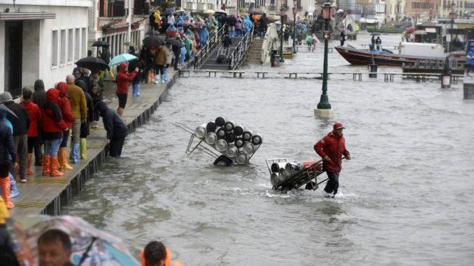 Vučić ponudio pomoć poplavljenoj Veneciji 2