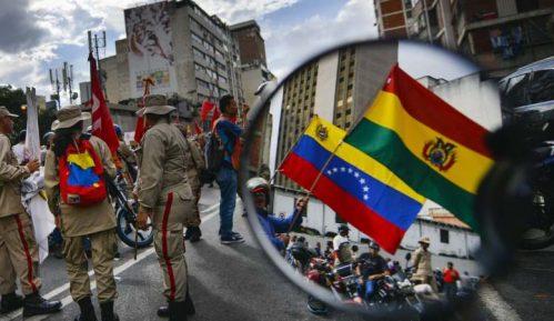 Pristalice Socijalističke partije u Venecueli na ulicama u znak podrške Moralesu 13