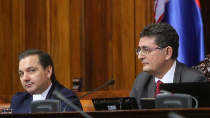 Arsić očekuje da nadležni najstrože kazne vinovnike protesta 4