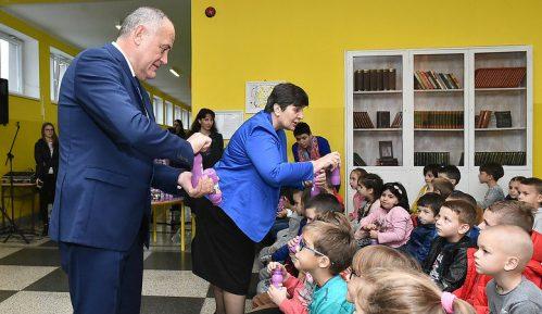 Počeo Program - voće, povrće i mlečni proizvodi za škole u Crnoj Gori 1