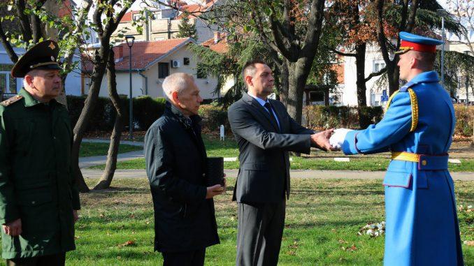 Bocan-Harčenko i Vulin učestvovali u primopredaji grumena zemlje za izgradnju vojnog memorijala 4