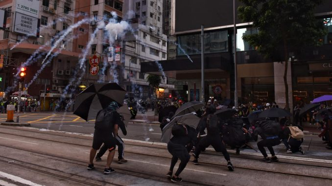 """Protest u Hongkongu: Napad na redakciju """"Sinhua"""" 1"""