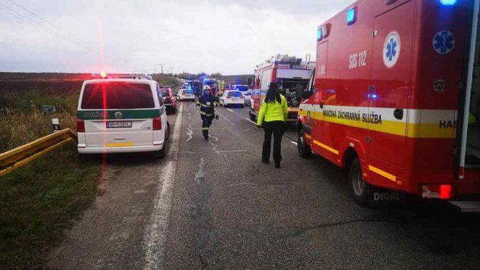 U sudaru autobusa sa srednjoškolcima i kamiona u Slovačkoj 12 mrtvih 4