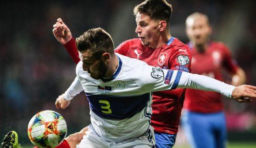 Na utakmici Češke sa Kosovom u Plzenju tokom himne srpske zastave 9
