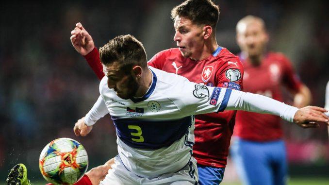 Na utakmici Češke sa Kosovom u Plzenju tokom himne srpske zastave 1