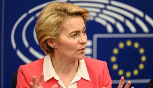 Ursula fon der Lajen odala priznanje Junkeru za brigu o Evropi 4