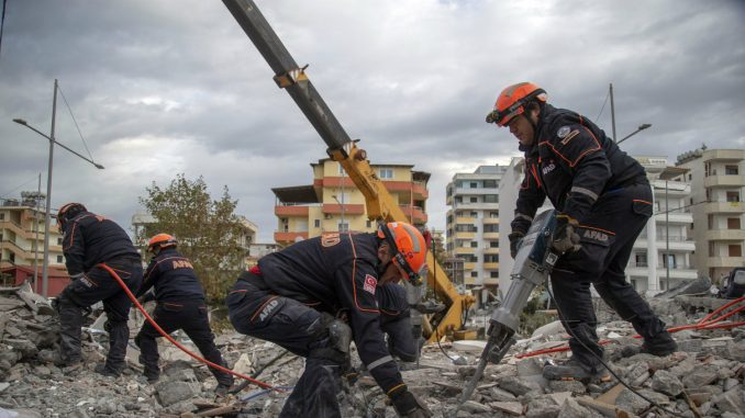 Čadež pozvao srpske kompanije da pomognu Albaniji posle zemljotresa 2