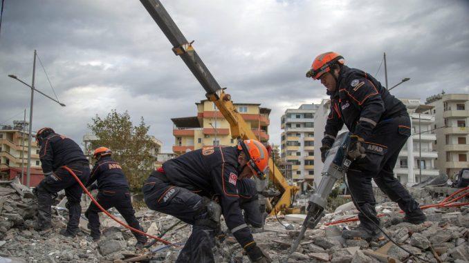 Čadež pozvao srpske kompanije da pomognu Albaniji posle zemljotresa 3