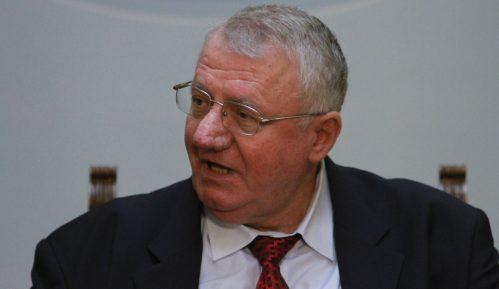 Šešelj pozvao Vučića na TV duel o Kišu 7