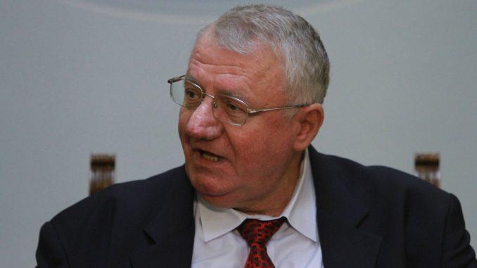 Šešelj pozvao Vučića na TV duel o Kišu 1