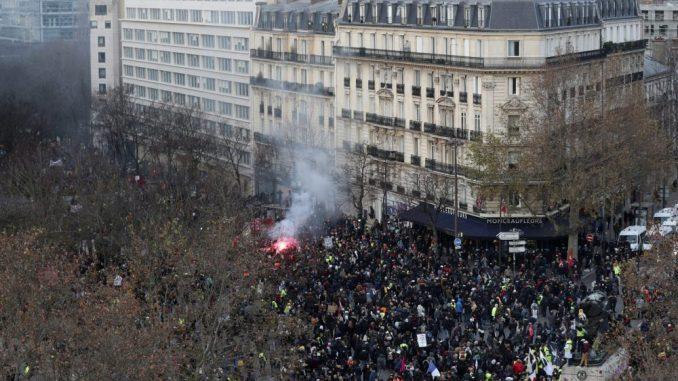 Nekoliko stotina hiljada ljudi na ulicama Francuske protiv reforme penzija 1