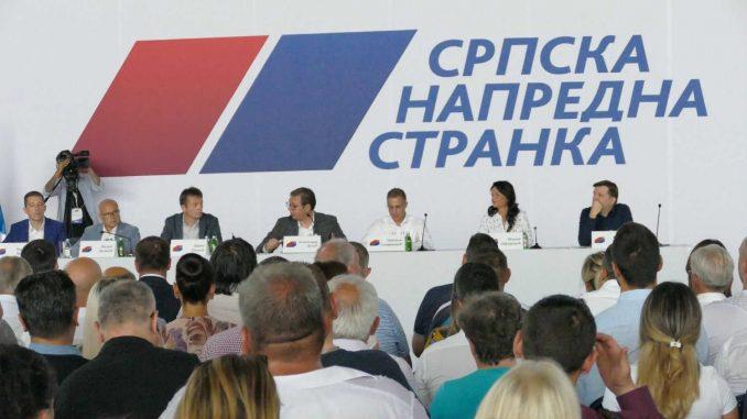 Svaki petnaesti Kinez član partije, a svaki deveti Srbin član SNS 4