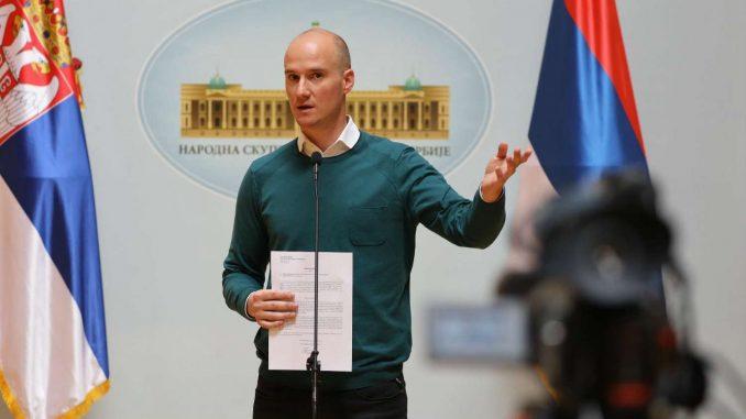 Poslanici DS traže raskid saradnje sa Dverima zbog Obradovićeve kritike Mićunovića 2