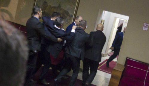 DF nije poslušao ni Vučića ni vladiku Amfilohija 7
