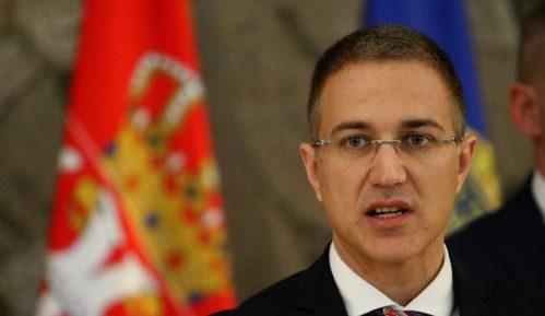 Stefanović položio venac na spomen-obeležje stradalima u NATO intervenciji 13