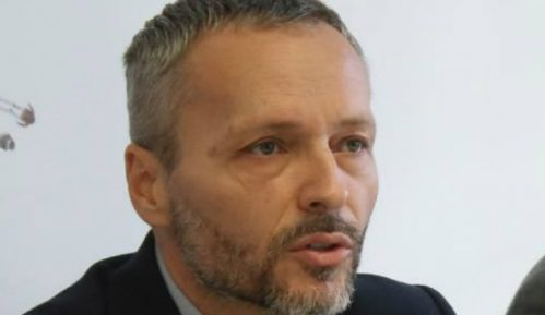Olenik: Politička scena podeljena na Vučićeve i Đilasove nacionaliste 15