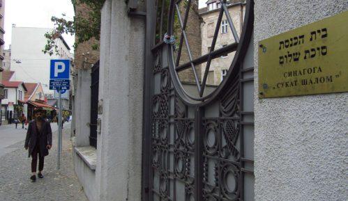 Sinagoga i dalje zauzeta 10
