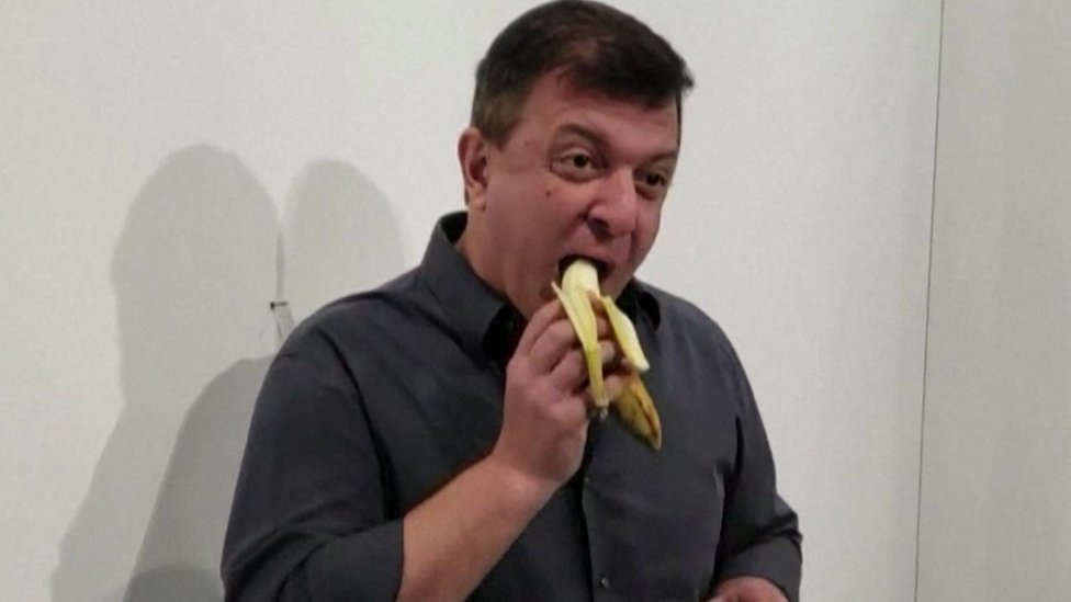 David Datuna devours the banana art